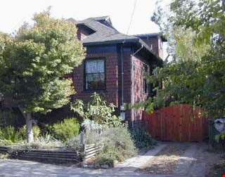 Charming Edwardian bungalow near 4th St shops, transport and more! Home Rental in Berkeley 0 - thumbnail