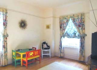 Charming Edwardian bungalow near 4th St shops, transport and more! Home Rental in Berkeley 8 - thumbnail