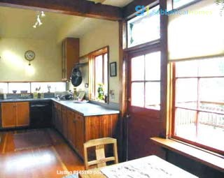 Charming Edwardian bungalow near 4th St shops, transport and more! Home Rental in Berkeley, California, United States 3