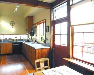 Charming Edwardian bungalow near 4th St shops, transport and more! Home Rental in Berkeley 3 - thumbnail