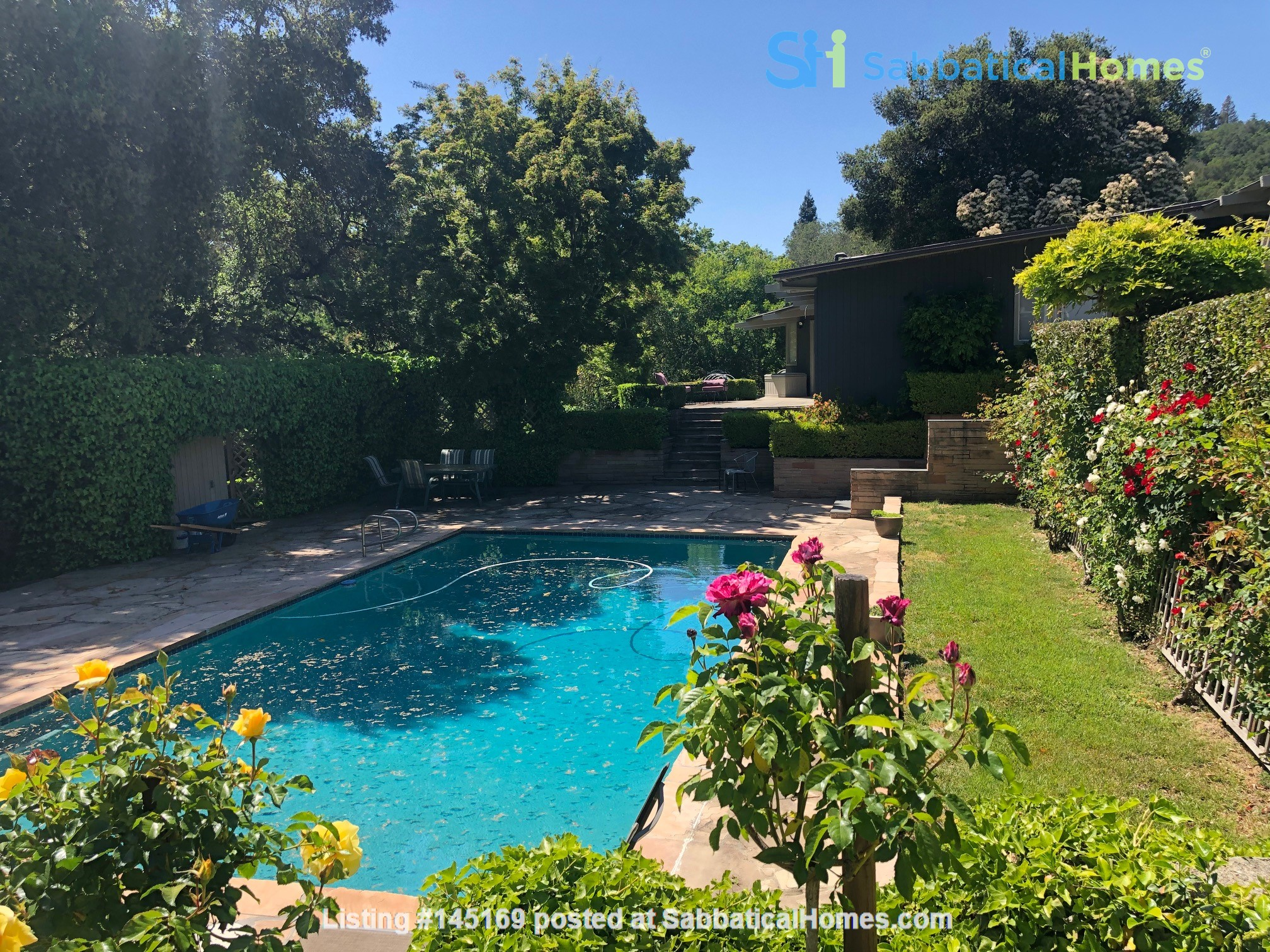 Large home (with pool) next to Berkeley in San Francisco Bay Area Home Exchange in Orinda, California, United States 3