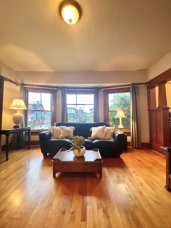 Lovely Craftsman home in historic neighborhood near beaches and downtown! Home Rental in San Diego 3 - thumbnail