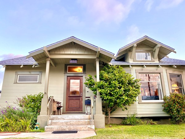Lovely Craftsman home in historic neighborhood near beaches and downtown! Home Rental in San Diego 0 - thumbnail