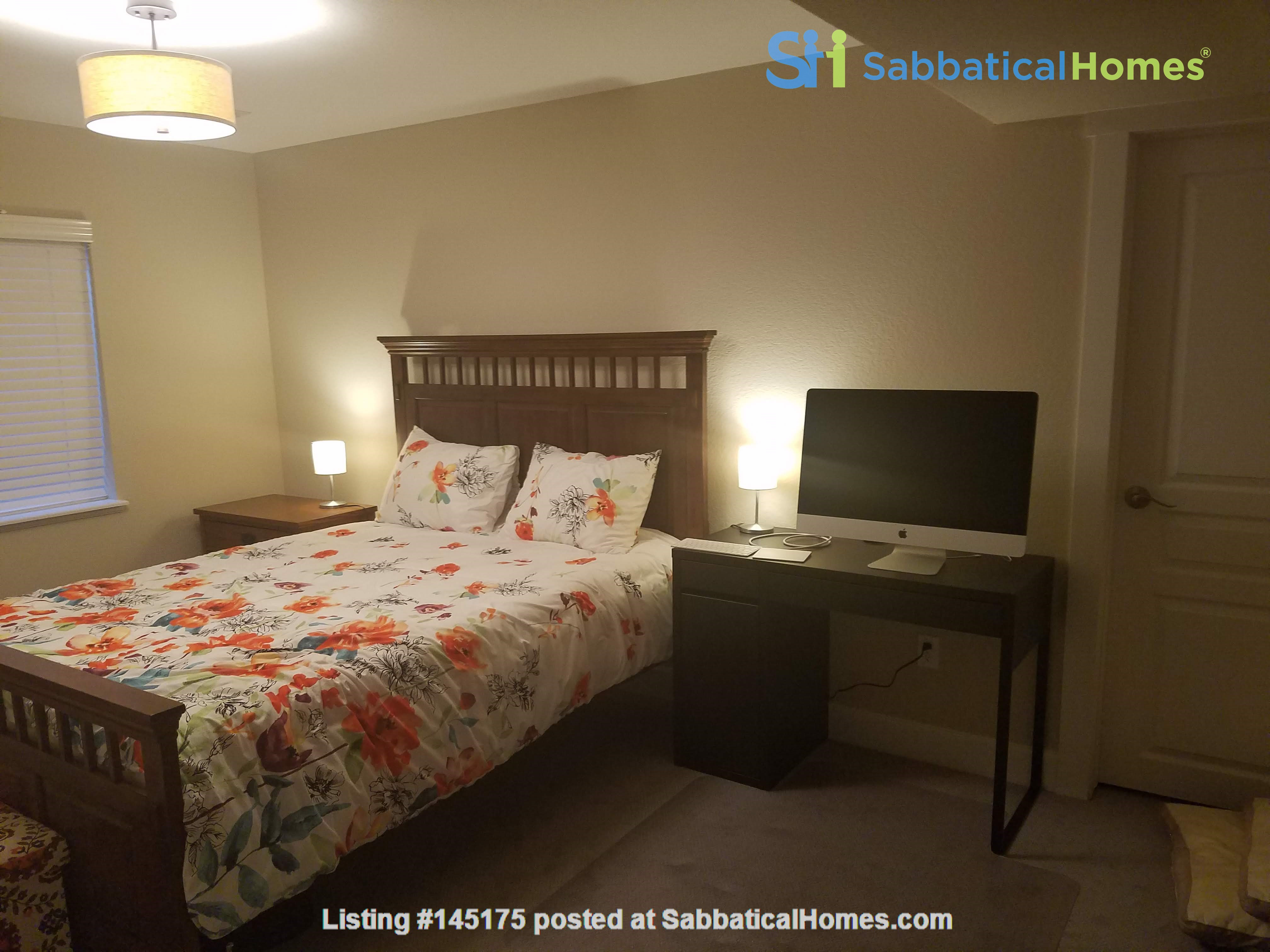 Sunny, family-friendly, 4-BR home in Denver. Family oriented neighborhood. Home Rental in Denver, Colorado, United States 3