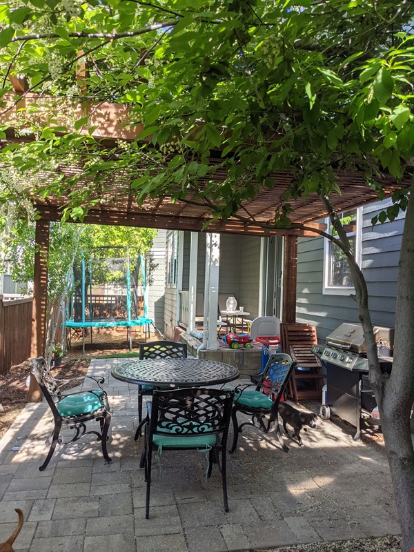 Sunny, family-friendly, 4-BR home in Denver. Family oriented neighborhood. Home Exchange in Denver 1 - thumbnail