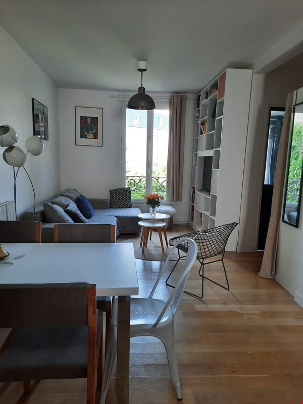 East Paris- Quiet beautiful appt 3mn from metro and the wood of vincennes Home Rental in Saint-Mandé 0 - thumbnail