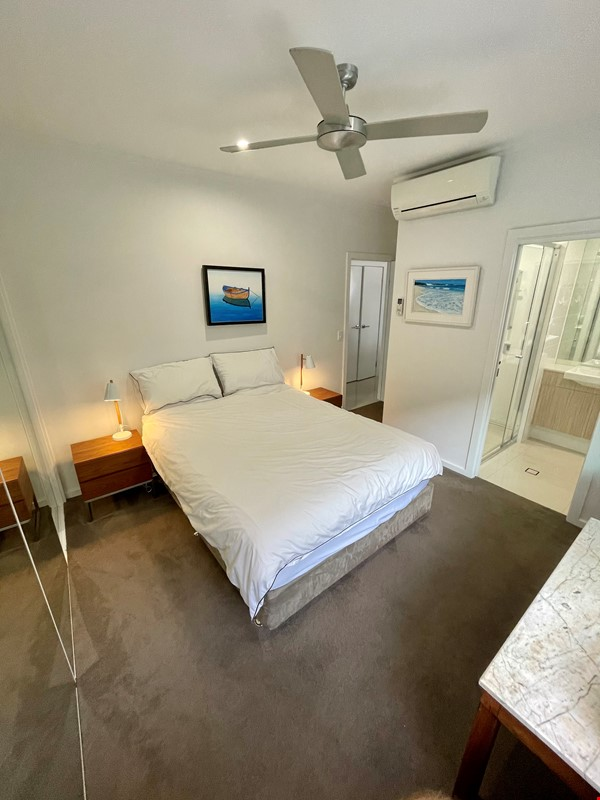 Lovely 2br apartment with large terrace/garden. 5km from Brisbane CBD Home Rental in Coorparoo 8 - thumbnail