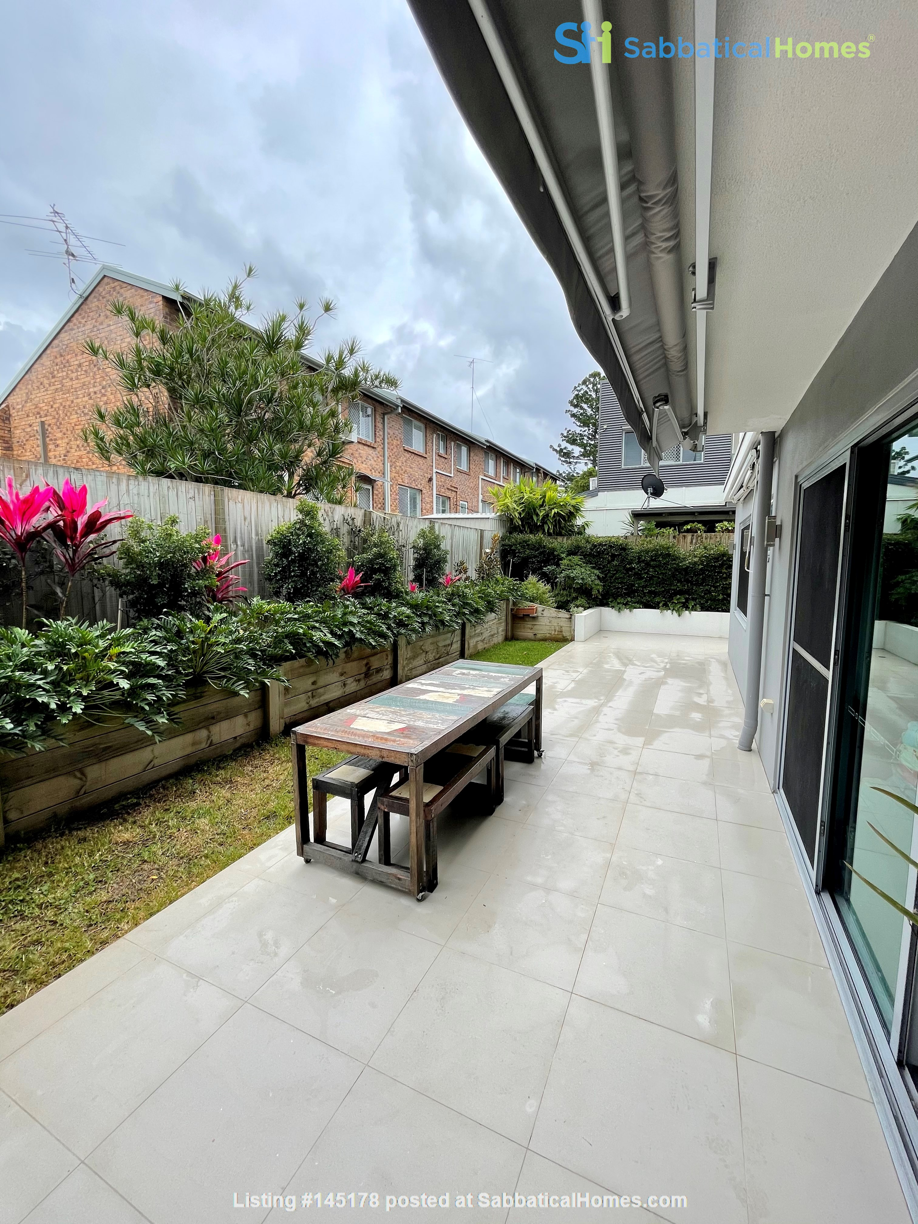 Lovely 2br apartment with large terrace/garden. 5km from Brisbane CBD Home Rental in Coorparoo, Queensland, Australia 0