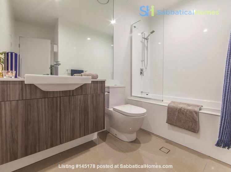 Lovely 2br apartment with large terrace/garden. 5km from Brisbane CBD Home Rental in Coorparoo, Queensland, Australia 3