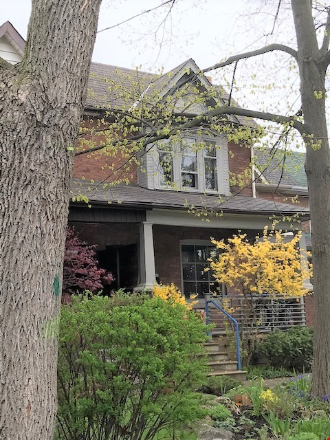 Friendly home in High Park area in Toronto Home Rental in Toronto 0 - thumbnail