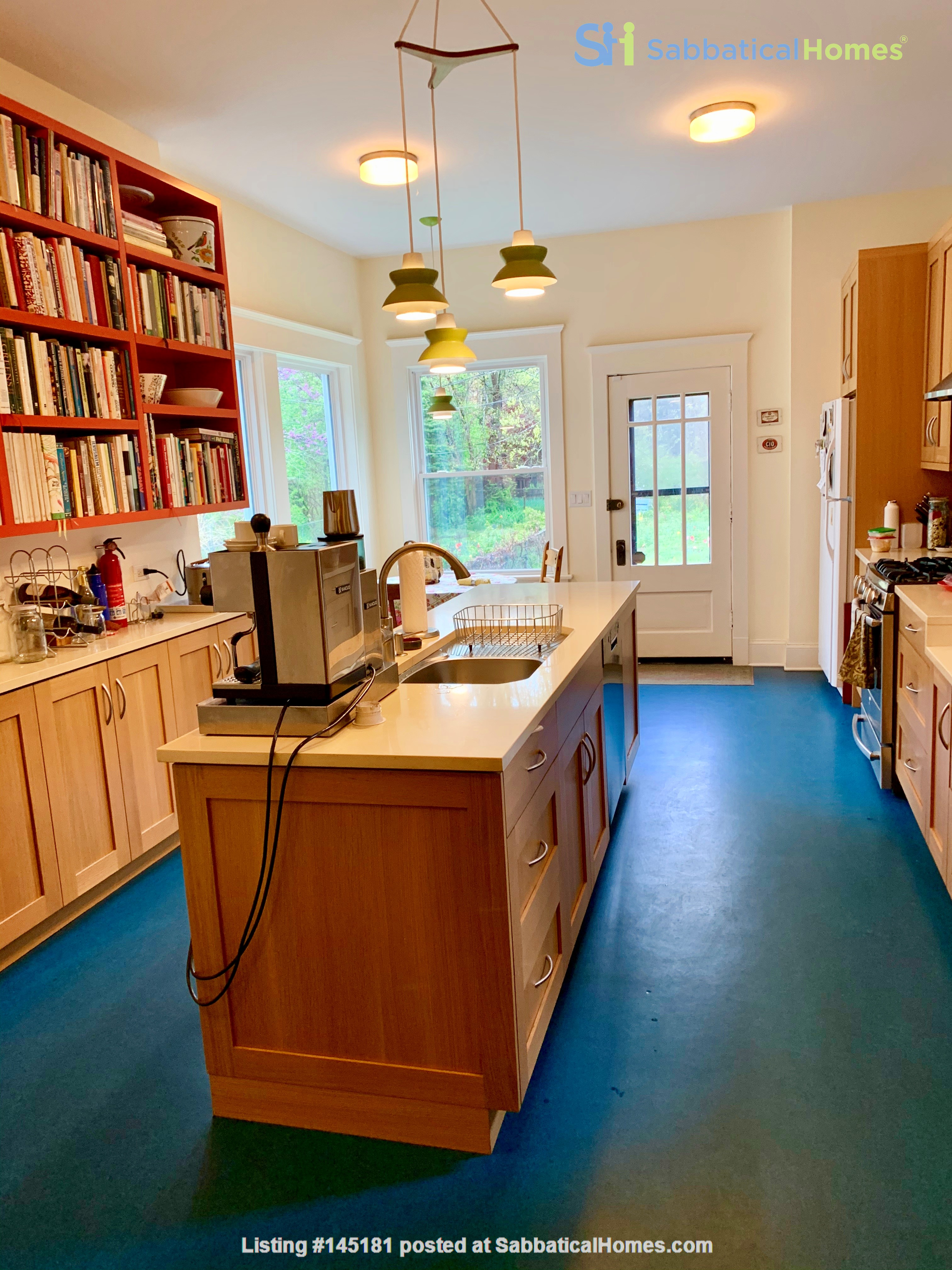 Beautiful Hyde Park Home Near UChicago, Lake, Loop Home Rental in Chicago, Illinois, United States 1