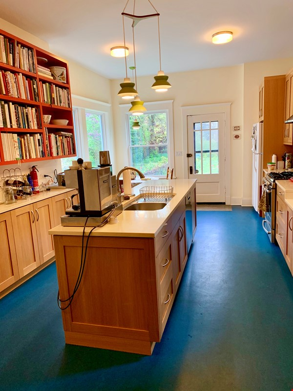 Beautiful Hyde Park Home Near UChicago, Lake, Loop Home Rental in Chicago 1 - thumbnail
