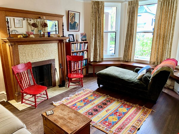 Beautiful Hyde Park Home Near UChicago, Lake, Loop Home Rental in Chicago 5 - thumbnail