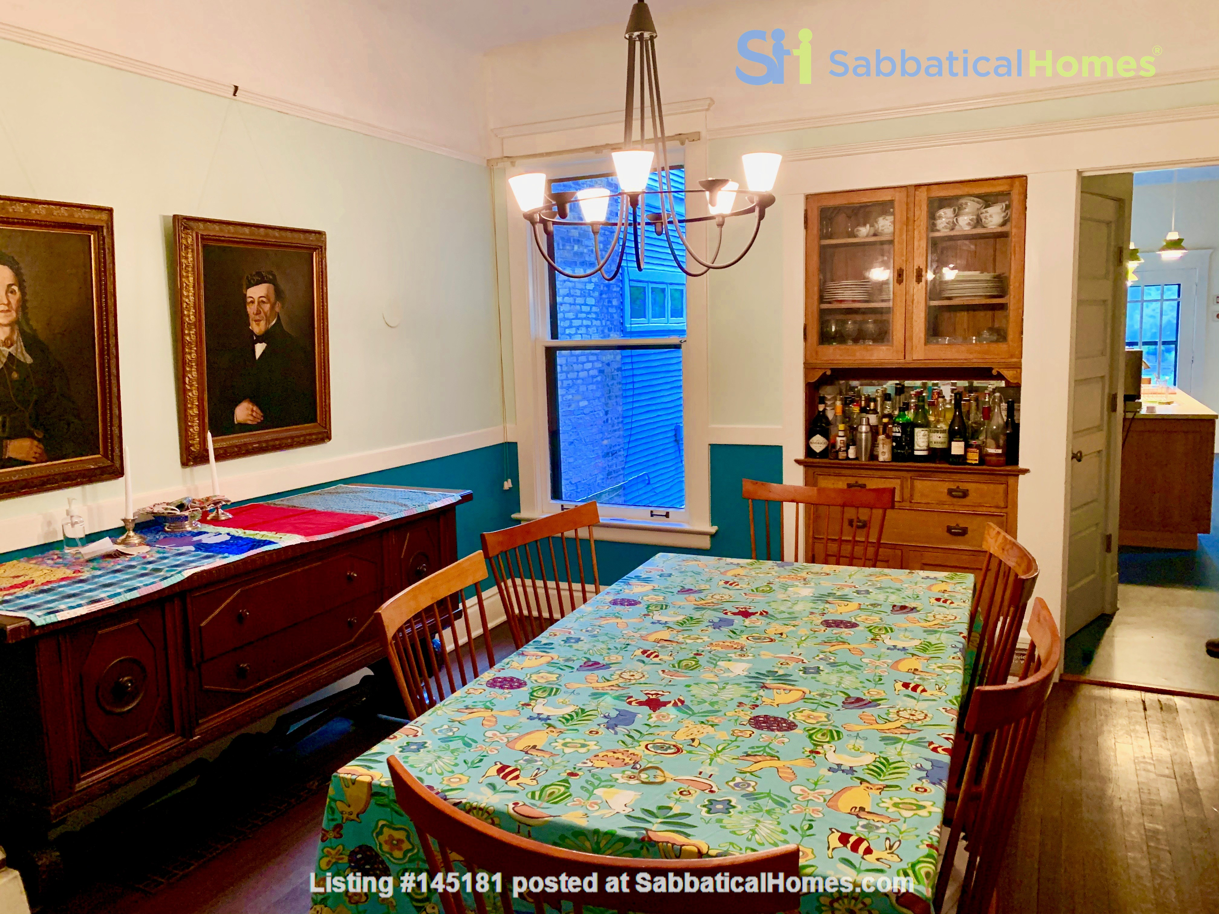 Beautiful Hyde Park Home Near UChicago, Lake, Loop Home Rental in Chicago, Illinois, United States 2