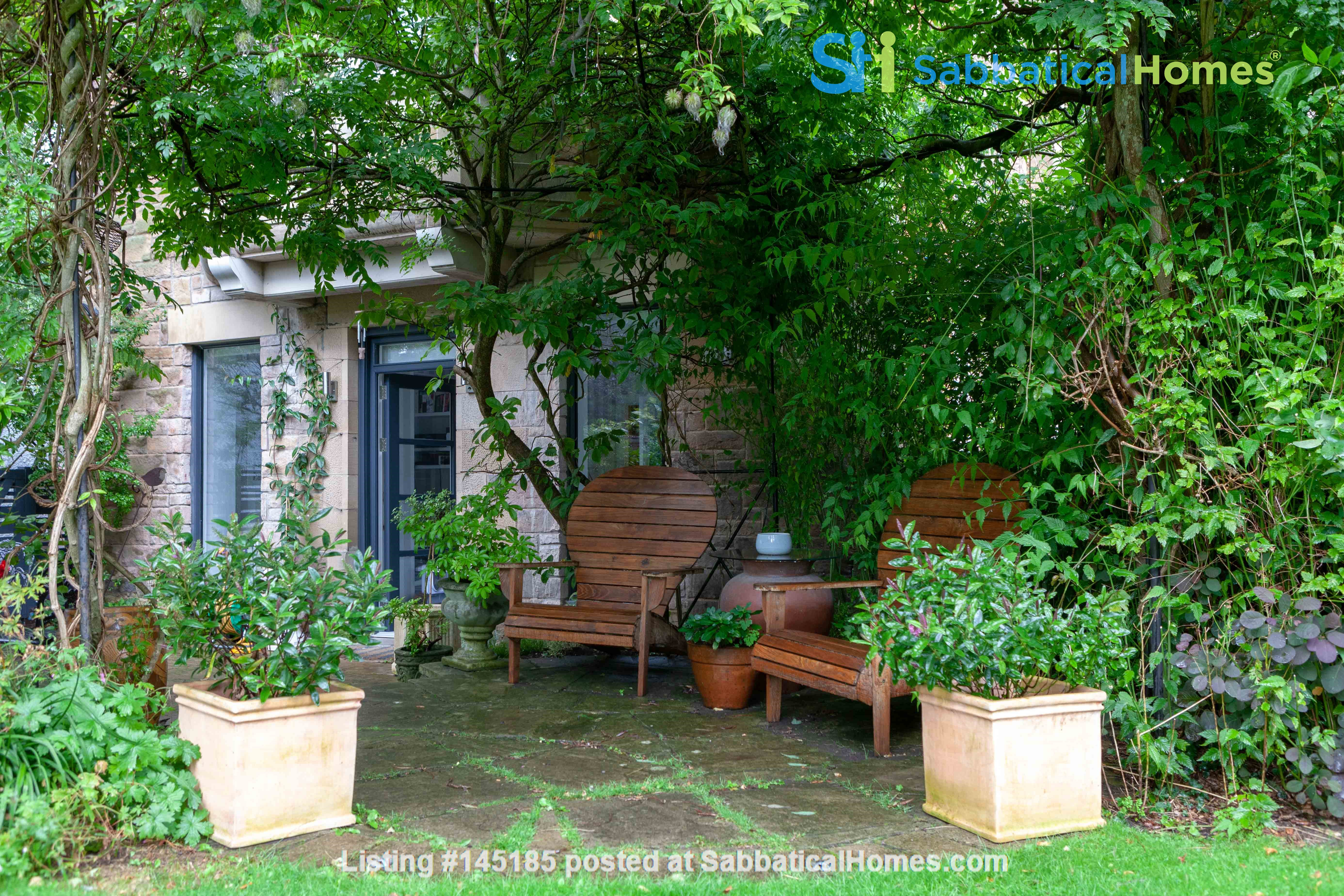 Stunning House for a fish, gardener and architectural lover. Home Rental in Edinburgh, Scotland, United Kingdom 9