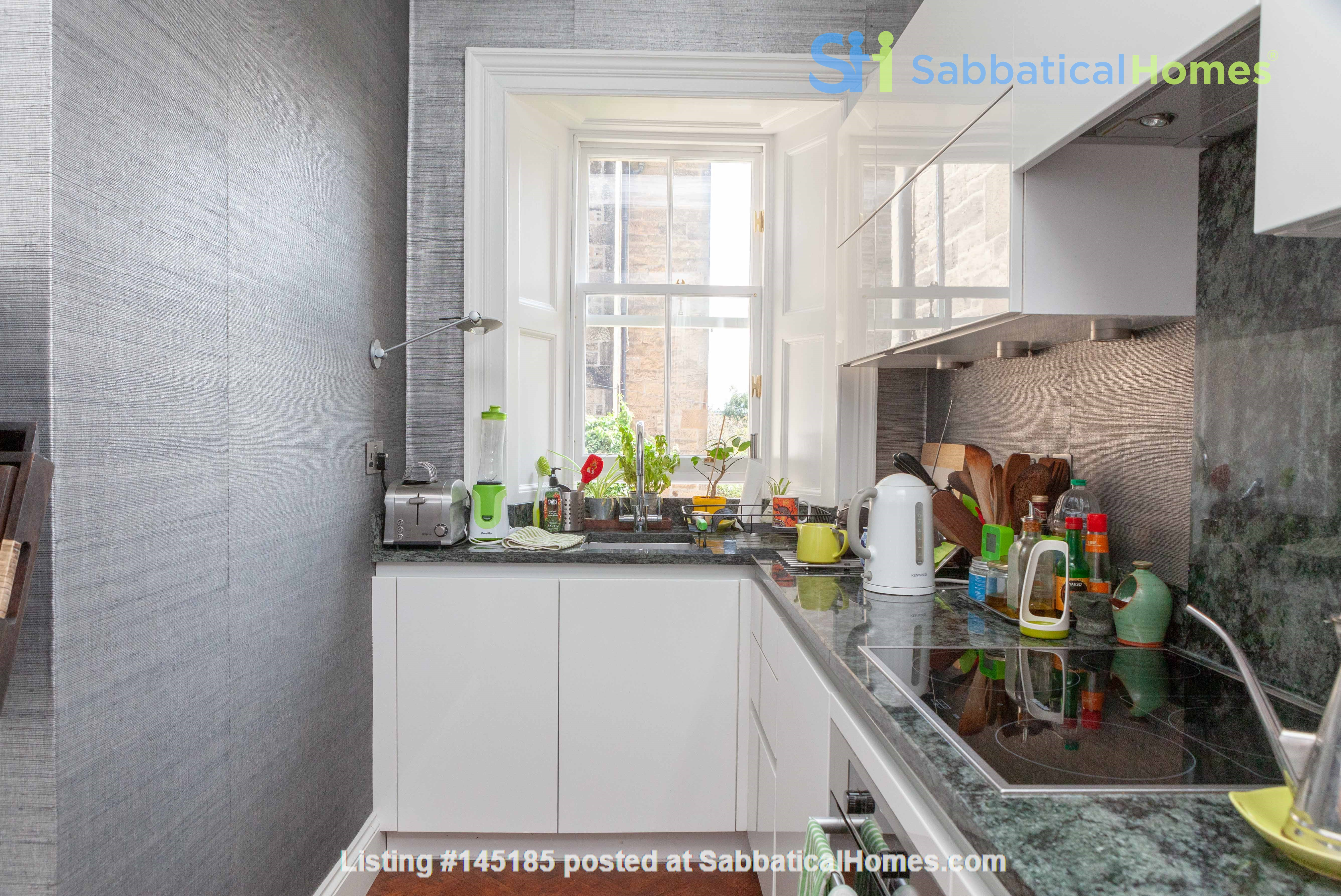 Stunning House for a fish, gardener and architectural lover. Home Rental in Edinburgh, Scotland, United Kingdom 2