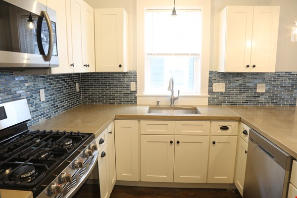 New, modern &  luxurious apartment, 3 master bedrooms, central AC! Yale Home Rental in New Haven 0 - thumbnail