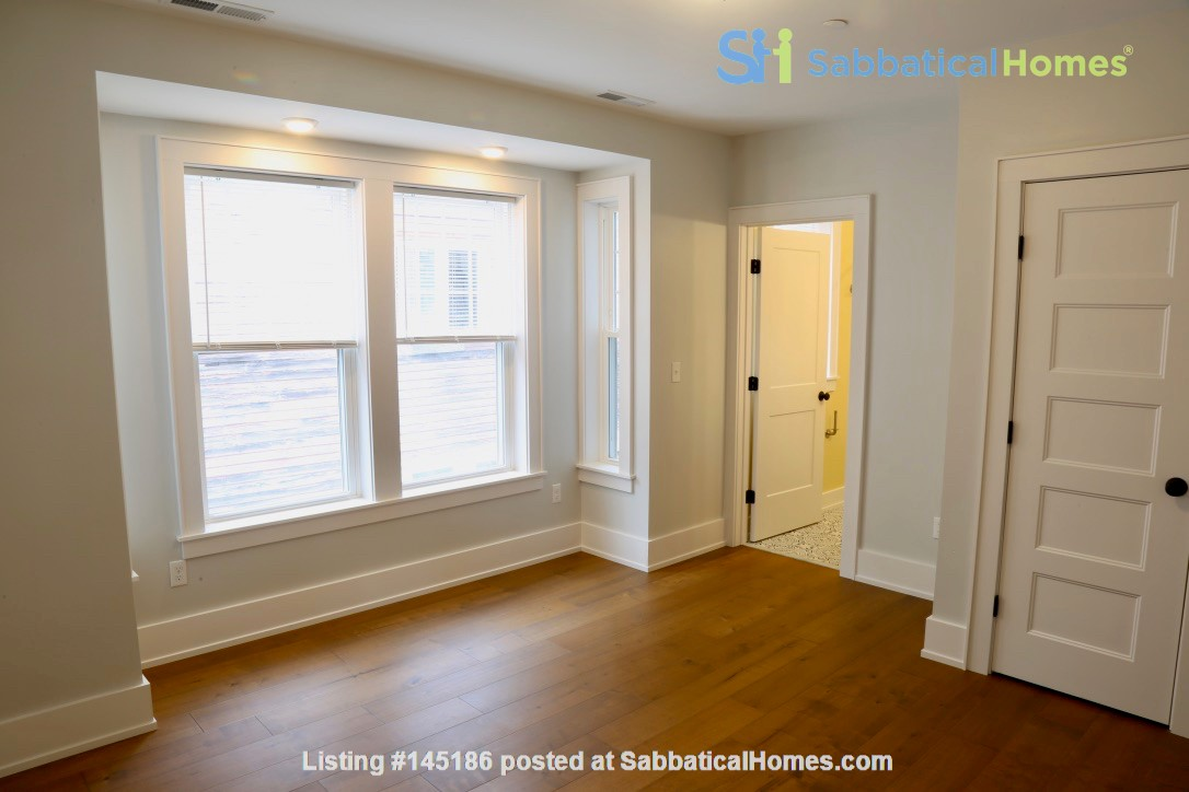 New, modern &  luxurious apartment, 3 master bedrooms, central AC! Yale Home Rental in New Haven, Connecticut, United States 3