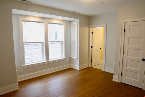 New, modern &  luxurious apartment, 3 master bedrooms, central AC! Yale Home Rental in New Haven 3 - thumbnail