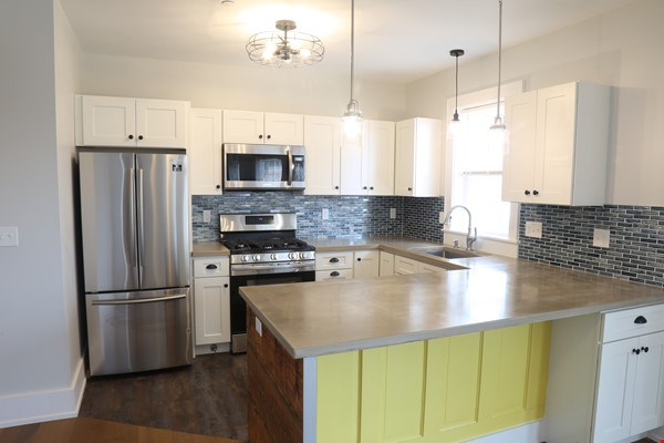 New, modern &  luxurious apartment, 3 master bedrooms, central AC! Yale Home Rental in New Haven 2 - thumbnail
