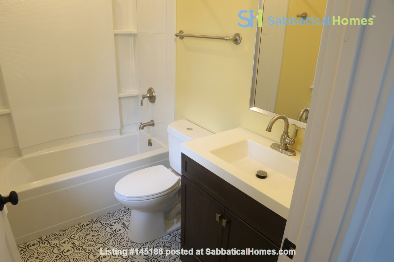 New, modern &  luxurious apartment, 3 master bedrooms, central AC! Yale Home Rental in New Haven, Connecticut, United States 8