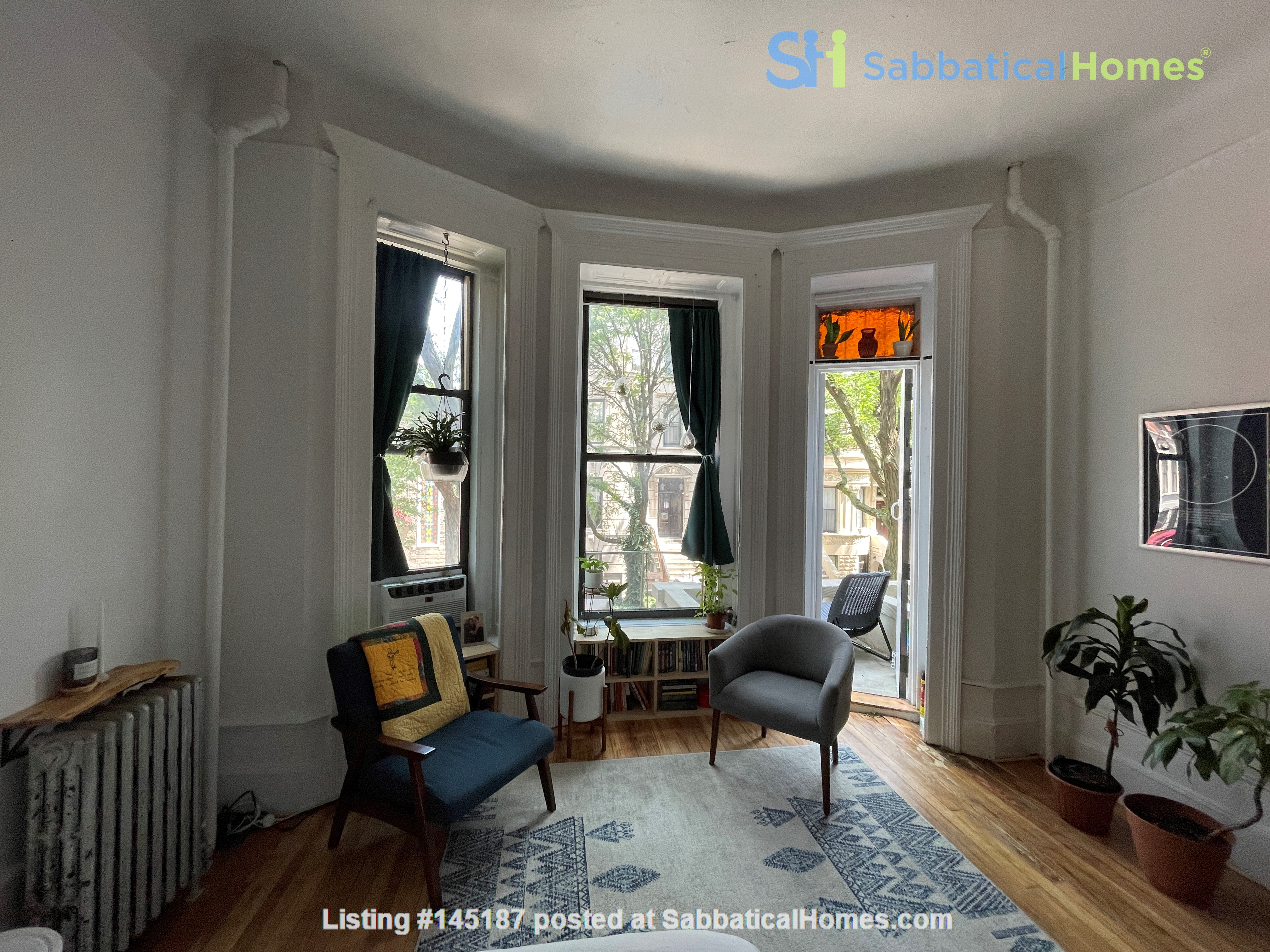 Historic South Harlem Studio with Balcony, short walk to Central Park! Home Rental in New York 0