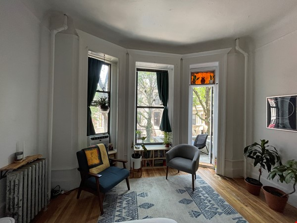 Historic South Harlem Studio with Balcony, short walk to Central Park! Home Rental in New York 0 - thumbnail