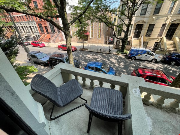Historic South Harlem Studio with Balcony, short walk to Central Park! Home Rental in New York 1 - thumbnail