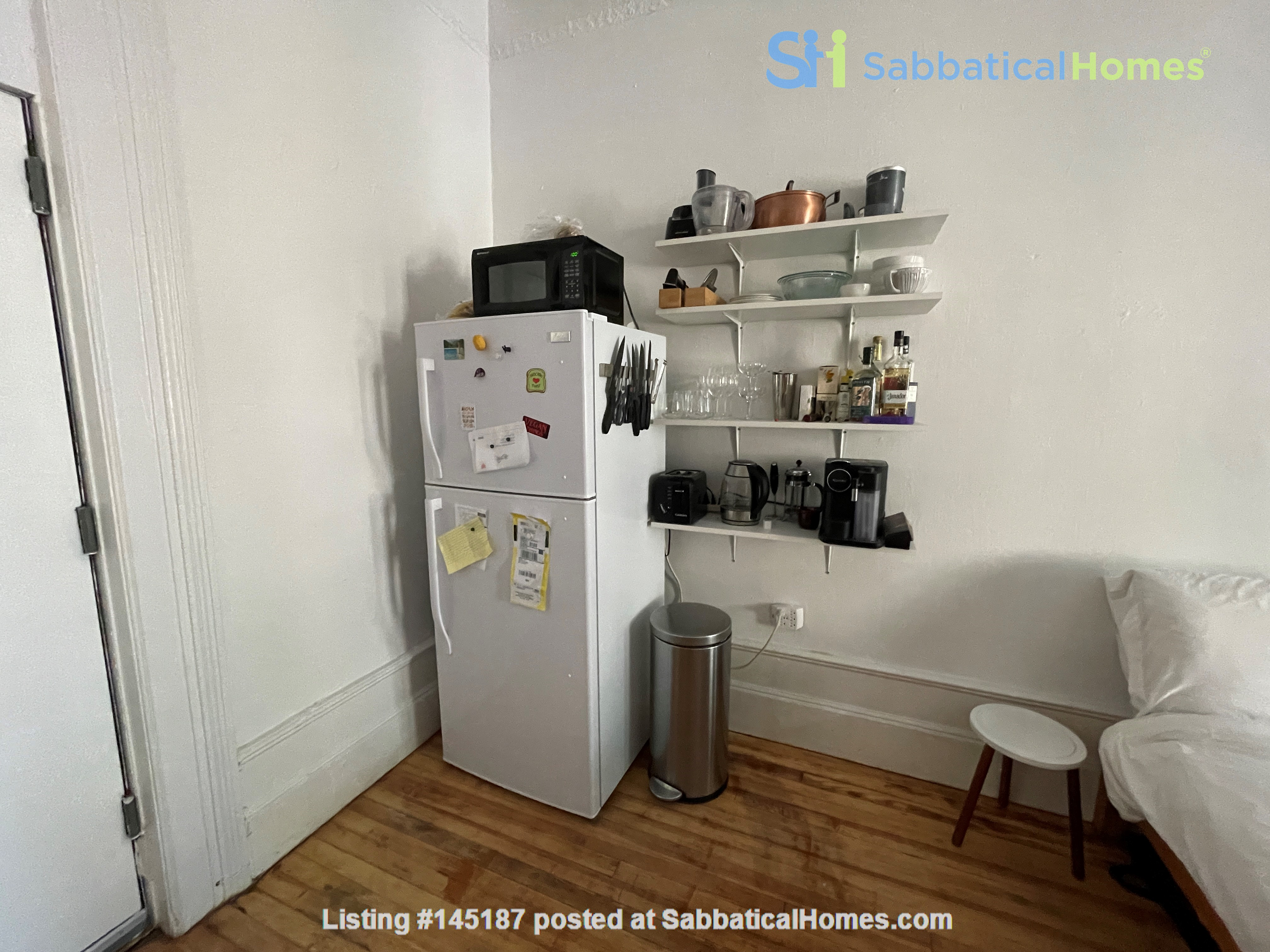 Historic South Harlem Studio with Balcony, short walk to Central Park! Home Rental in New York 6