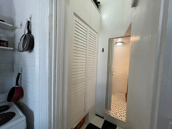 Historic South Harlem Studio with Balcony, short walk to Central Park! Home Rental in New York 7 - thumbnail