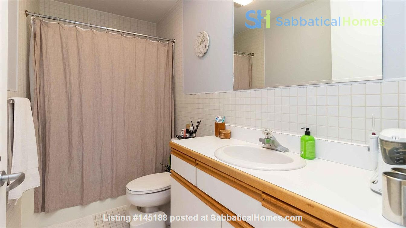 One bedroom apartment with lake views and attached parking (Cayuga Heights) Home Rental in Ithaca, New York, United States 5