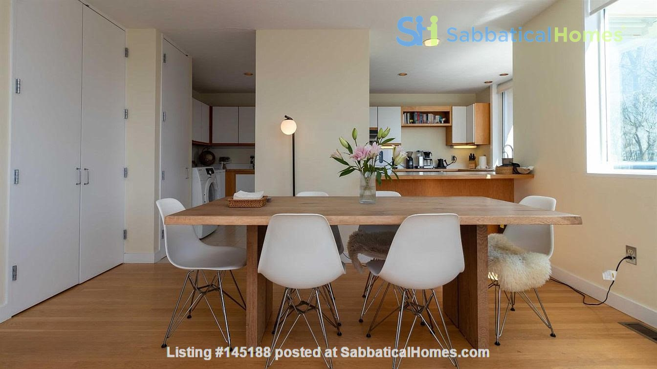 One bedroom apartment with lake views and attached parking (Cayuga Heights) Home Rental in Ithaca, New York, United States 2