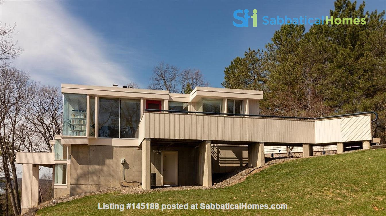 One bedroom apartment with lake views and attached parking (Cayuga Heights) Home Rental in Ithaca, New York, United States 0