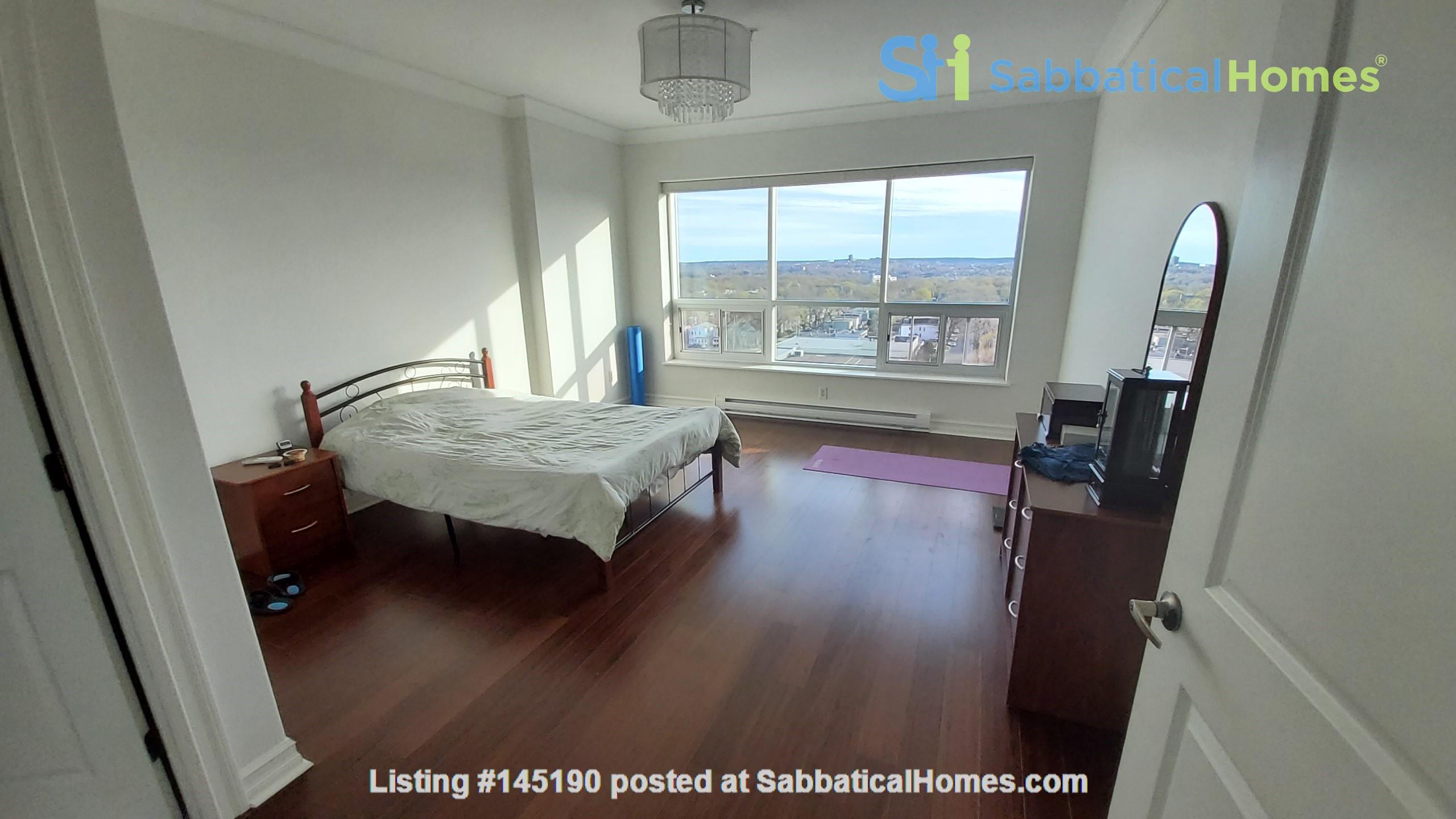 Spacious, Sunny, 12th-floor Condo in the North End of Halifax, Nova Scotia Home Rental in Halifax, Nova Scotia, Canada 7