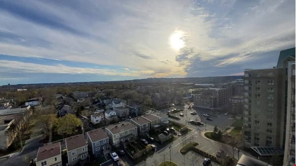 Spacious, Sunny, 12th-floor Condo in the North End of Halifax, Nova Scotia Home Rental in Halifax 8 - thumbnail