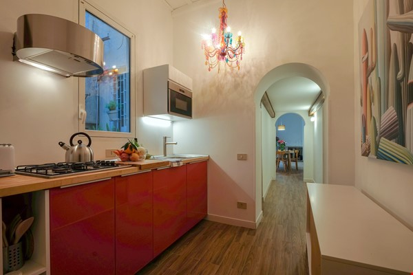 Via Crispi between Spanish Steps and Trevi Fountain Home Rental in Roma 7 - thumbnail