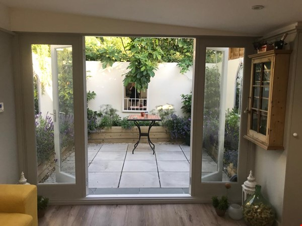 Hidden Peaceful Flat in Heart of Oxford Home Rental in  9 - thumbnail