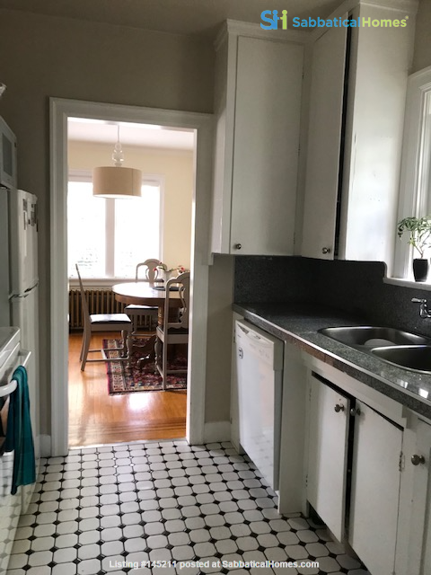 Share apartment close to UBC, VGH, Emily Carr, and SFU Downtown Home Rental in Vancouver, British Columbia, Canada 4
