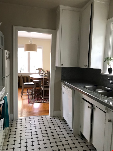 Share apartment close to UBC, VGH, Emily Carr, and SFU Downtown Home Rental in Vancouver 4 - thumbnail