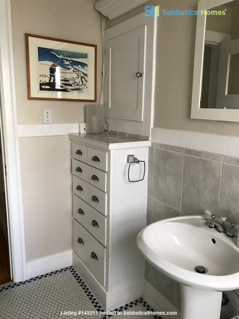 Share apartment close to UBC, VGH, Emily Carr, and SFU Downtown Home Rental in Vancouver, British Columbia, Canada 6