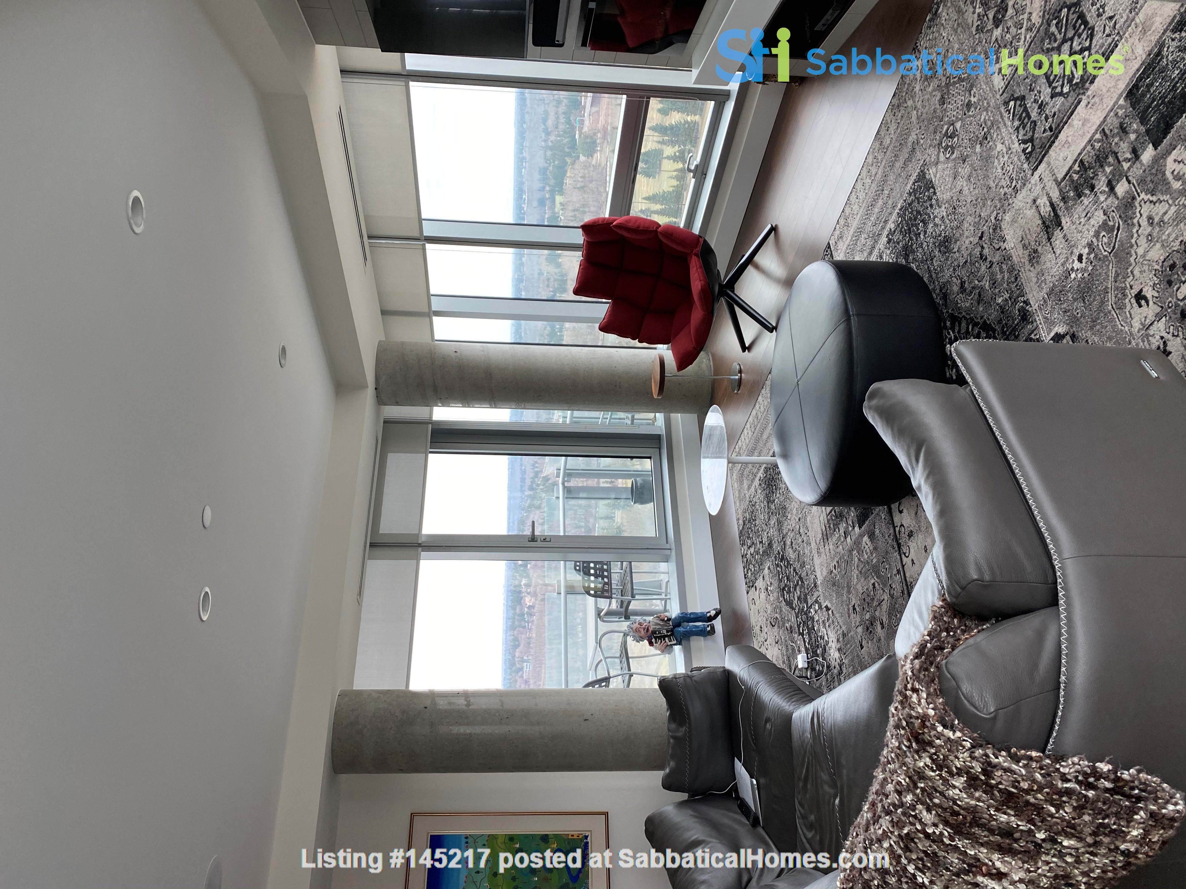 Gorgeous, spacious condo close to universities, hospitals and downtown Home Rental in Edmonton, Alberta, Canada 5
