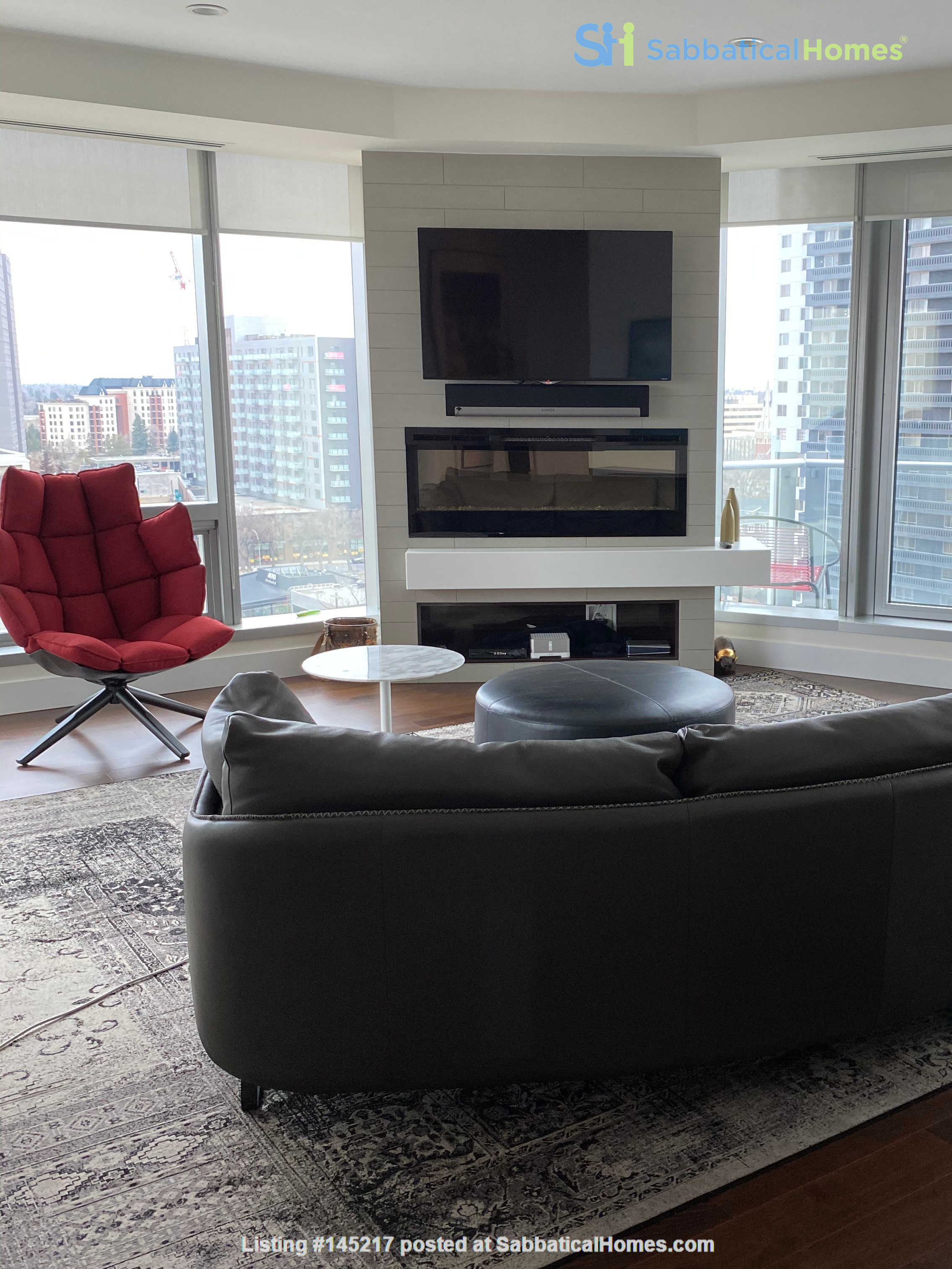 Gorgeous, spacious condo close to universities, hospitals and downtown Home Rental in Edmonton, Alberta, Canada 9