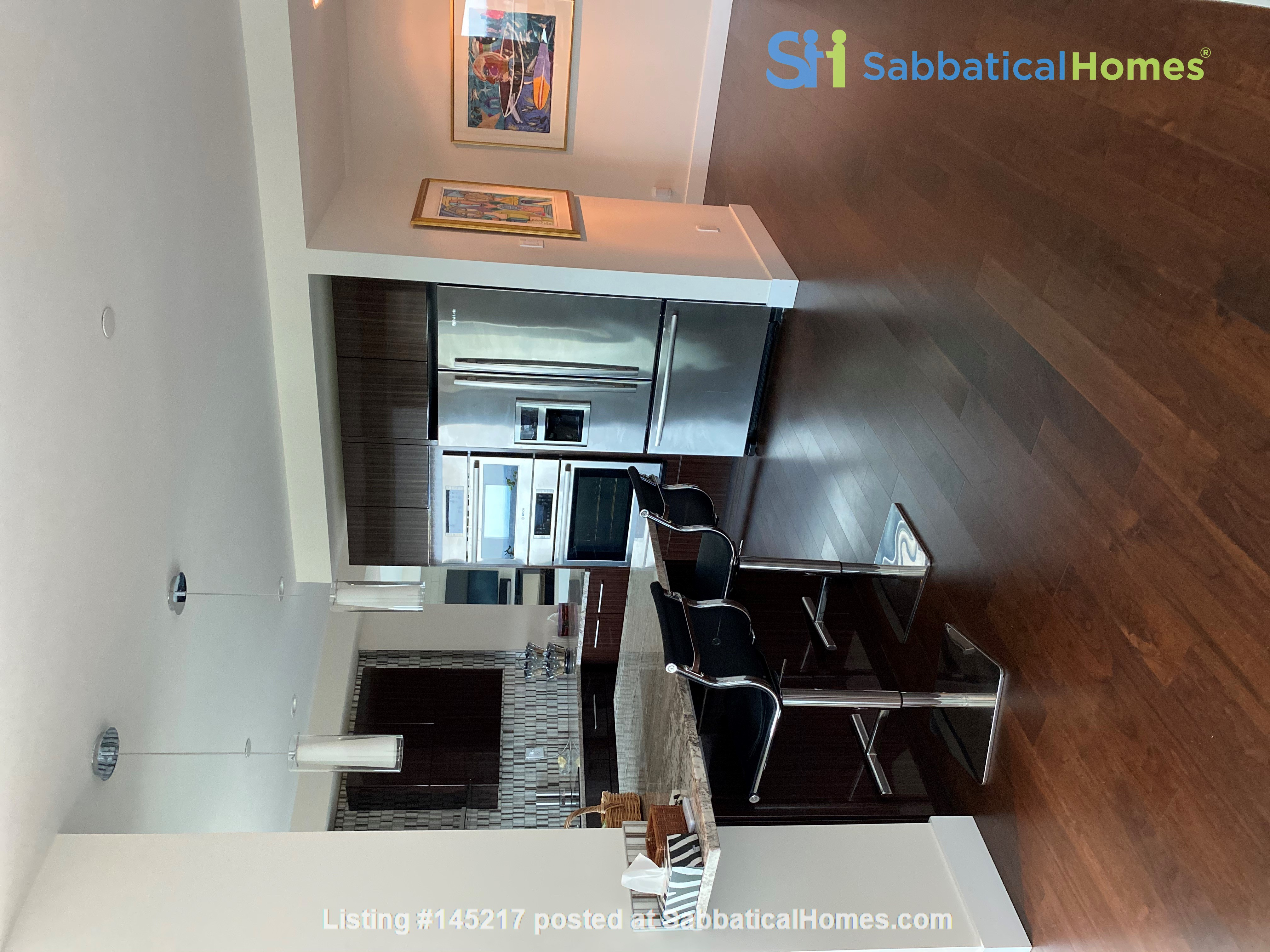 Gorgeous, spacious condo close to universities, hospitals and downtown Home Rental in Edmonton, Alberta, Canada 6
