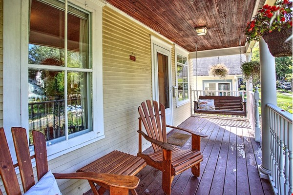 Adorable home near parks, lakes and restauraunts Home Rental in Minneapolis 0 - thumbnail