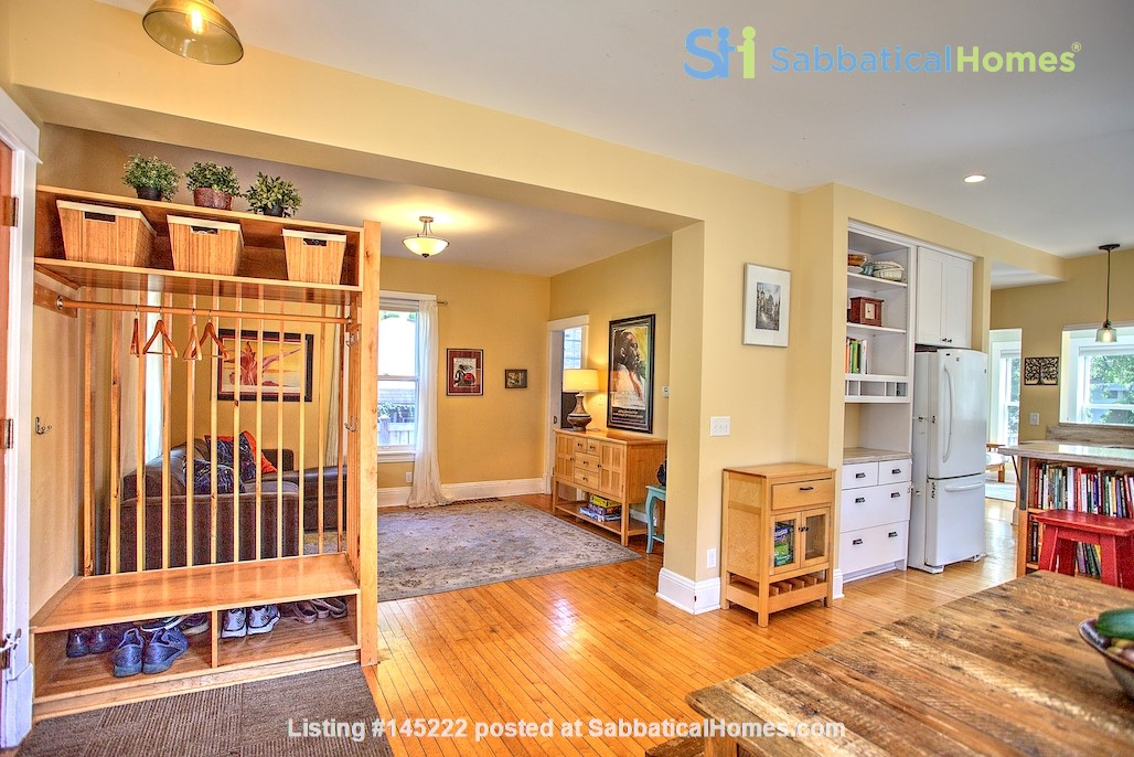 Adorable home near parks, lakes and restauraunts Home Rental in Minneapolis, Minnesota, United States 9