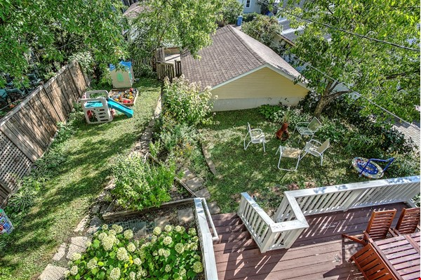 Adorable home near parks, lakes and restauraunts Home Rental in Minneapolis 6 - thumbnail