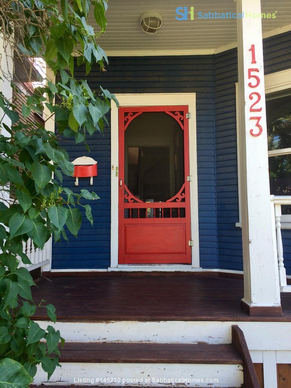 Beautiful historic home in sought after Calgary neighbourhood Home Rental in Calgary, Alberta, Canada 6