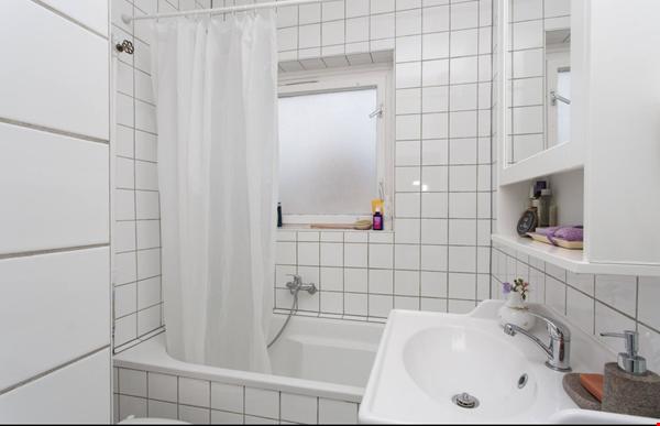 Viktoria-Luise-Platz Gem Home Rental in Berlin 2 - thumbnail