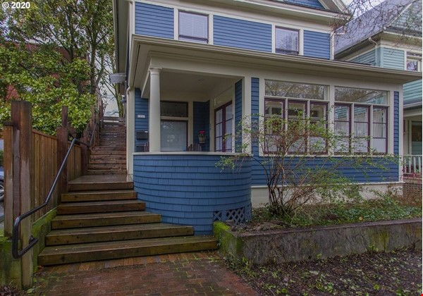 Fully furnished, spacious, and light-filled top floor duplex Home Rental in Portland 1 - thumbnail