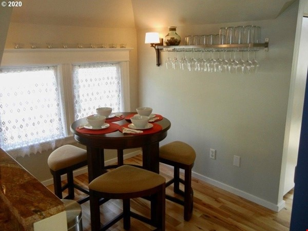 Fully furnished, spacious, and light-filled top floor duplex Home Rental in Portland 4 - thumbnail